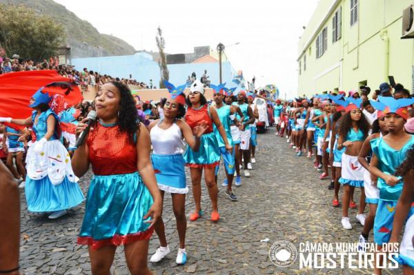 """Cultura: Grupo """"Maravilhas do Universo"""" sagra-se campeão do Carnaval 2018"""