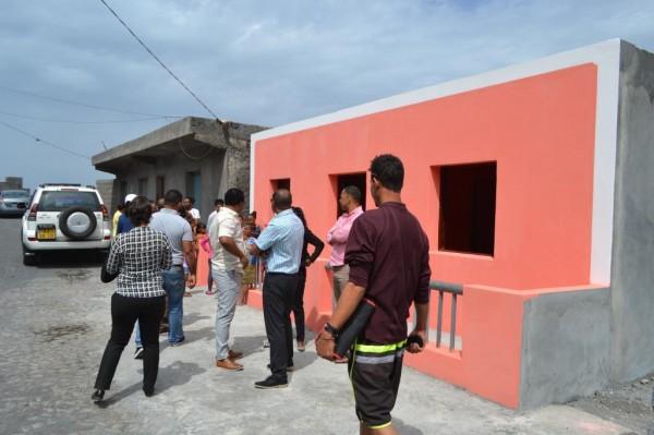 Social: Câmara Municipal entrega moradias a 3 famílias de baixa renda