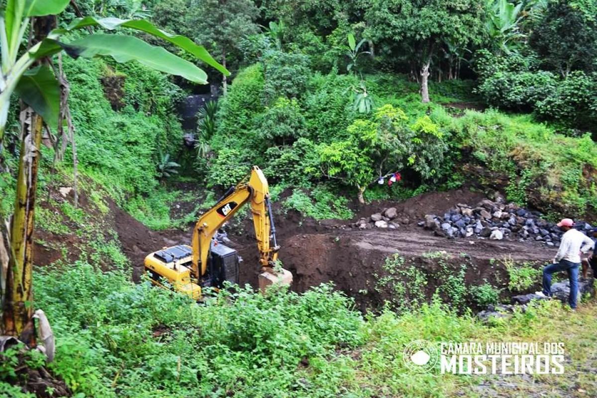 Zona Alta: Câmara Municipal realiza obras de correção torrencial