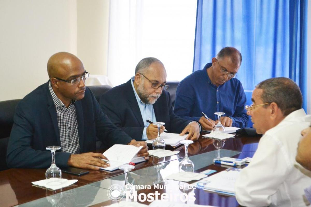 Institucional: PCA da ELECTRA recebido na Câmara Municipal