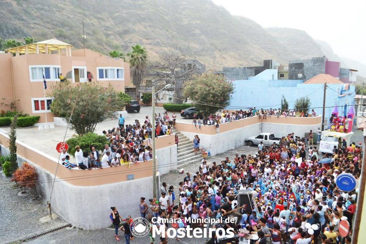 Carnaval: Crianças do Pré-escolar e do EBO abrem a festa