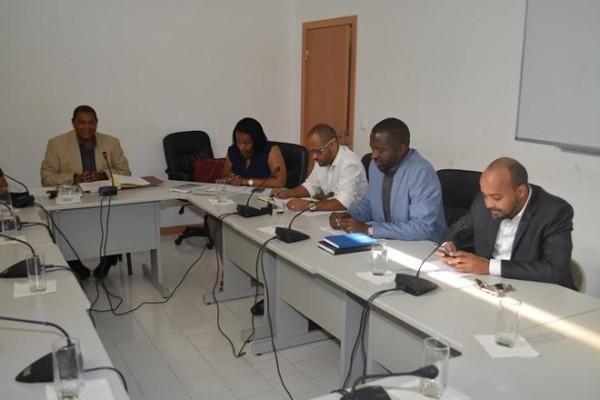 Comissão especializada de Relações Externas da Assembleia Nacional recebida na Câmara Municipal