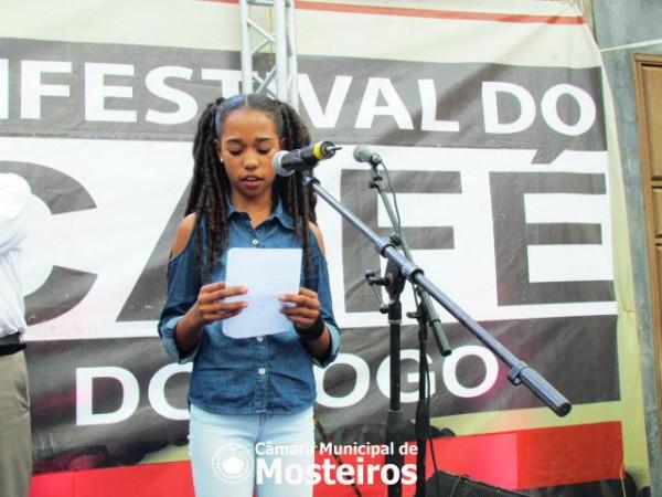 FCF: Lodaiany Pereira vence concurso de poesia, Ana Andrade o de melhor café e Joceila Miranda...