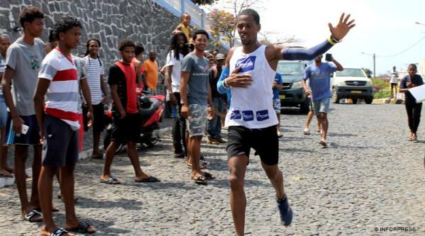 Festas São Filipe: Kueny Miranda vence Corrida do Município