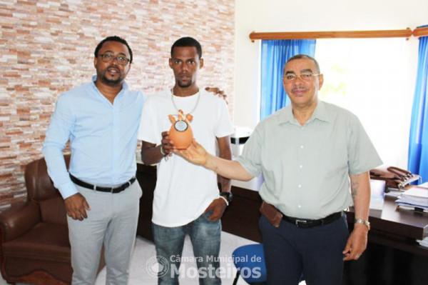 Atletismo: Kueny Miranda vence corrida do município da Brava