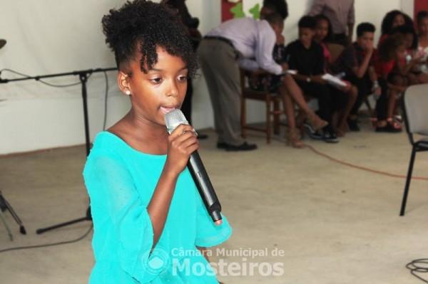 Gala Infantil: Kemelly Andrade da Escola de Fonsaco vence concurso de vozes