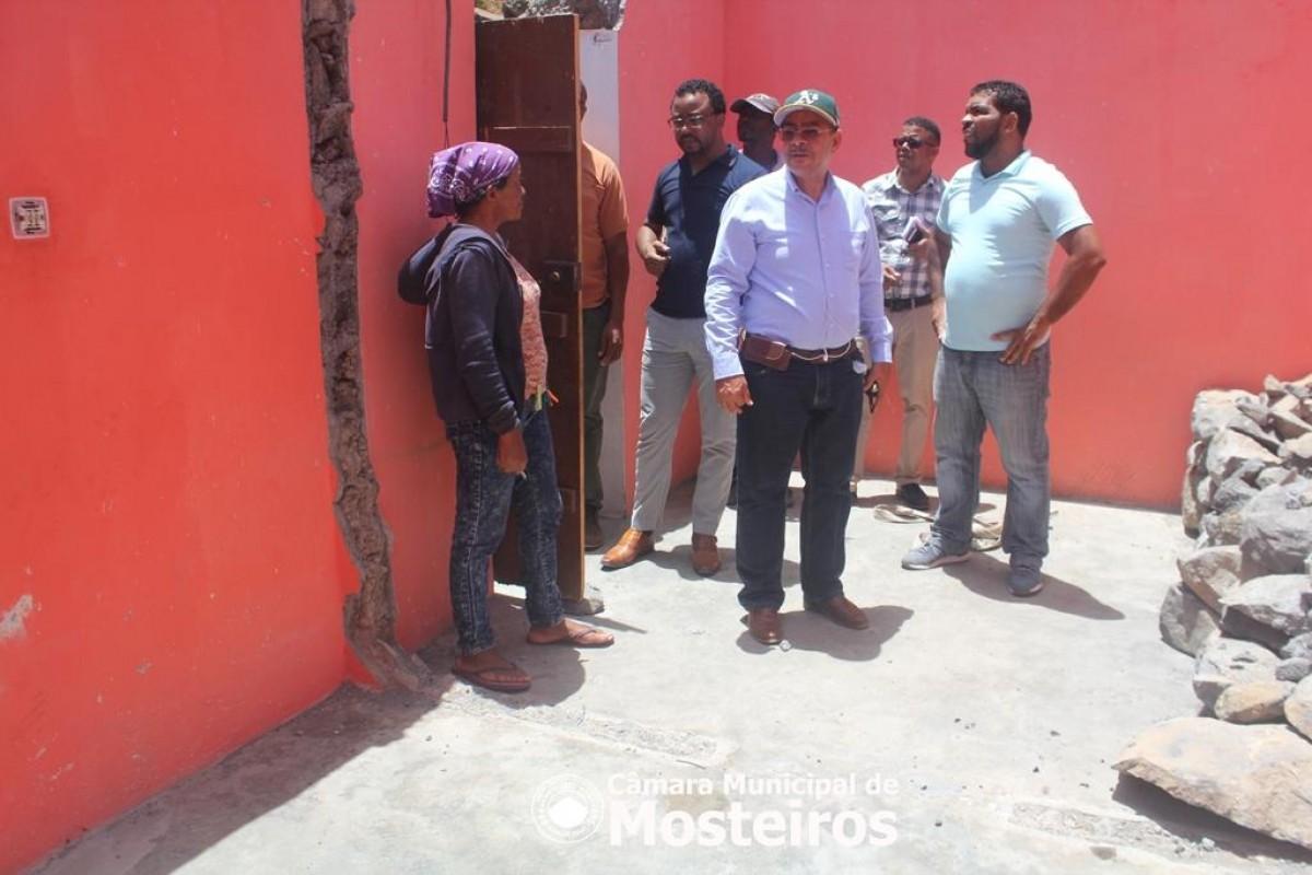 Habitação: Vereação visita obras de construção e reabilitação de casas na zona norte