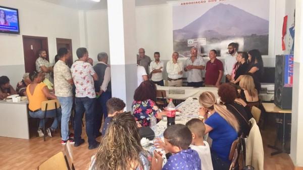 Diáspora: Presidente em encontro com Associação AmiFogo de Portugal