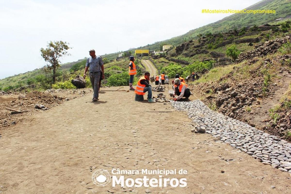 Achada Grande: CMM constrói via de acesso a Queimadinha
