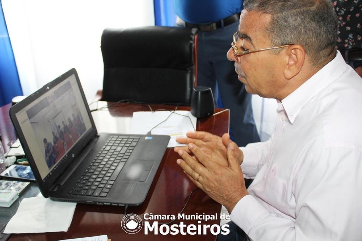 Morte de Giovani: Presidente em videoconferência com estudantes mosteirenses em Bragança