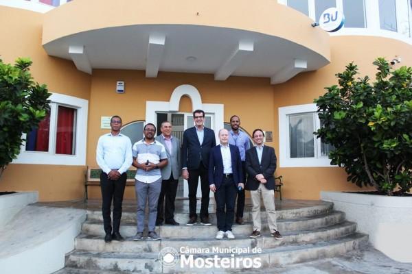 Institucional: Presidente da Câmara Municipal do Porto visita Mosteiros