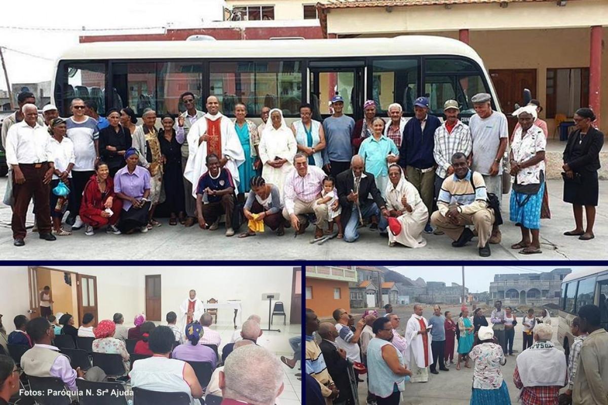 Centro de Dia para Idosos: Paróquia de Nossa Senhora da Ajuda apresenta autocarro doado por emigrantes