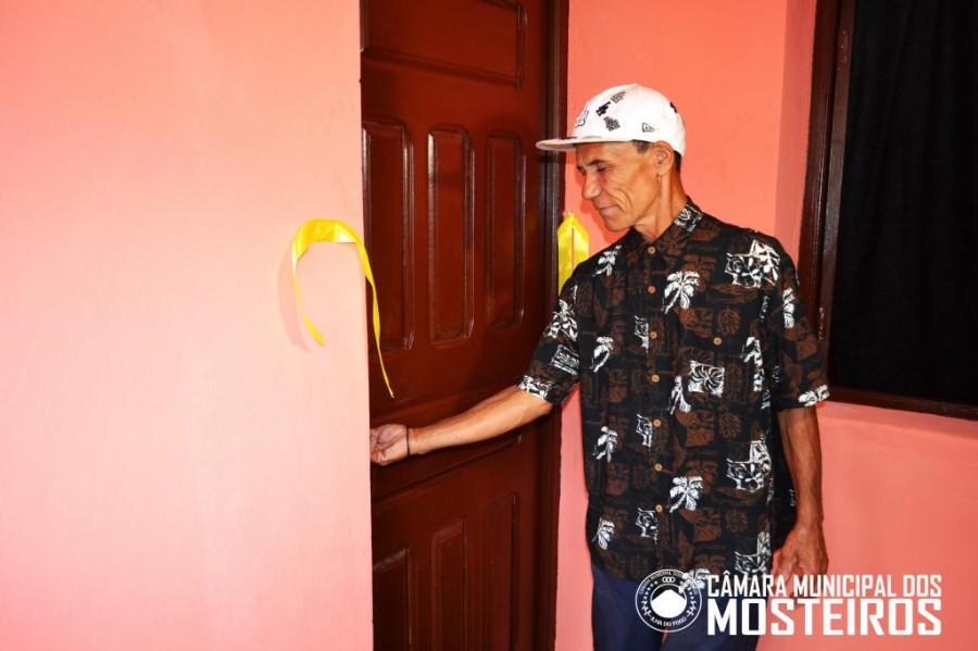 Habitação: Câmara Municipal entrega casas reabilitadas a 4 famílias de Guincho e Mosteiros Trás