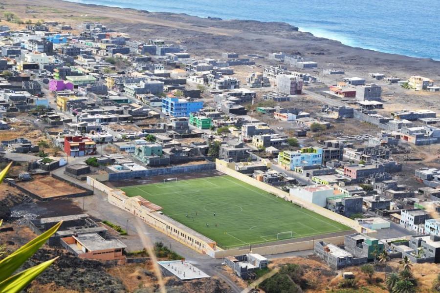 """Diáspora: Emigrantes de Queimada Guincho organizam-se para """"participar no desenvolvimento da comunidade e de Mosteiros"""""""