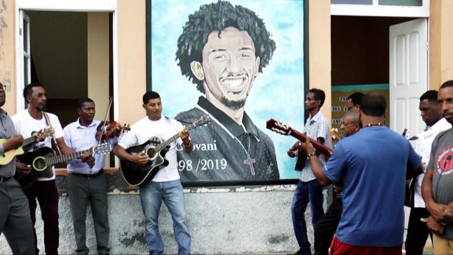 Dia dos Heróis Nacionais: Artistas levam música às ruas de Mosteiros em homenagem a Giovani