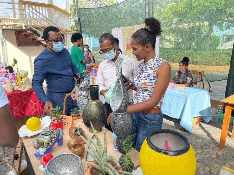 Cultura: Dia do Artesão é assinalado com exposição de produtos locais