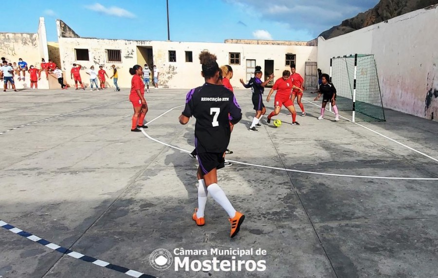 Futsal Feminino: 4 equipas disputam Taça 13 de Maio organizada pela Câmara Municipal
