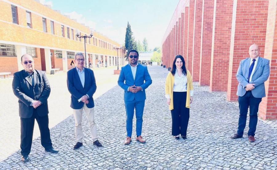 Cooperação: Fábio Vieira visita Bombeiros do Entroncamento e Instituto Politécnico de Tomar