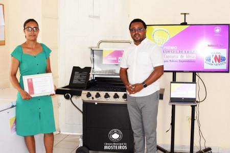 Empreendedorismo: Câmara Municipal entrega prémio à vencedora do Concurso de Ideias para mulheres empreendedoras